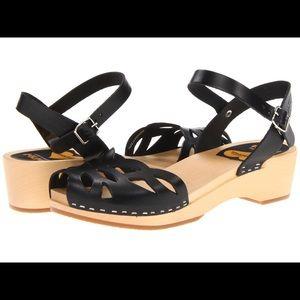 Shoes - NIB Swedish Hasbeens Ornament Clog 8 Anthropologie